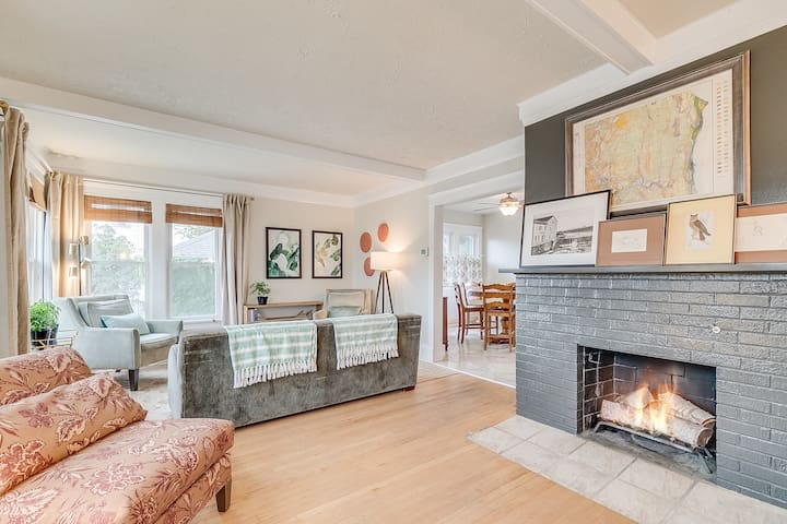 Relax and read or enjoy some family time in the living room with views of the lake.