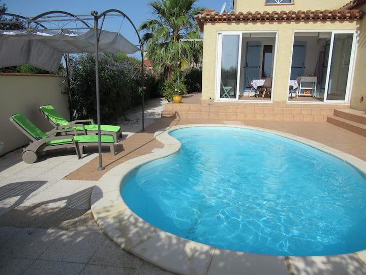 Prés du Barcares, villa climatisée avec piscine
