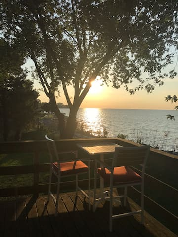 Spectacular Sunrise Lakefront Loft with Deck!