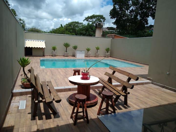 Casa sofisticada com piscina sem vizinhos/calmaria