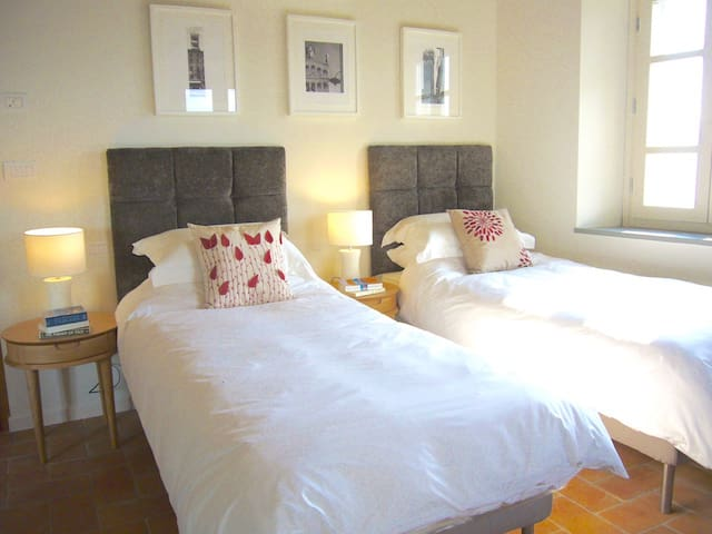3rd bedroom showing the kingsize bed split into twin beds for your groups requirements.