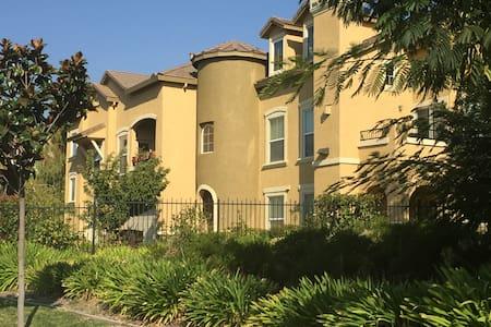 Syrah condominium in natomas park. - Sacramento