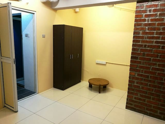 Cozy room to access lrt and food - Kuala Lumpur - Casa