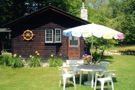 Summer Place - Large Cabin, very quiet location. - Washington - Chalet