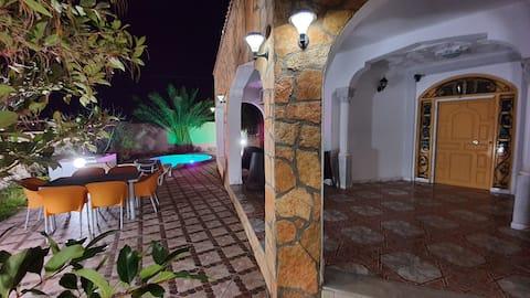 Villa privée avec grand Jacuzzi sans vis à vis