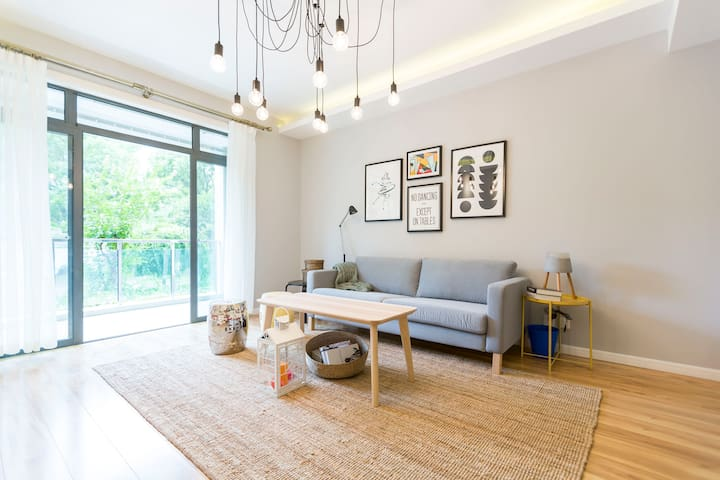 Charming 2 BR in central Pudong near Century park - Shanghai - Lejlighed