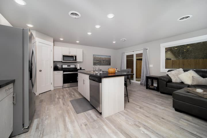 New townhome - within a mile of down town