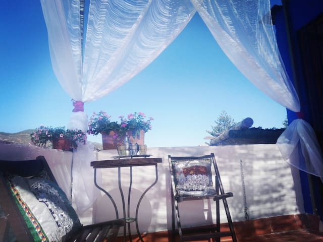 Alhambra Alpujarra. WiFi, BBQ, Mountain and Beach.