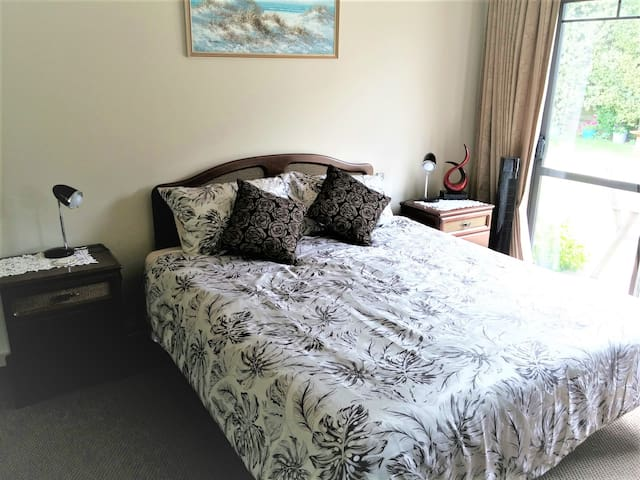 Large room with Private bathroom - Pukekohe - Casa