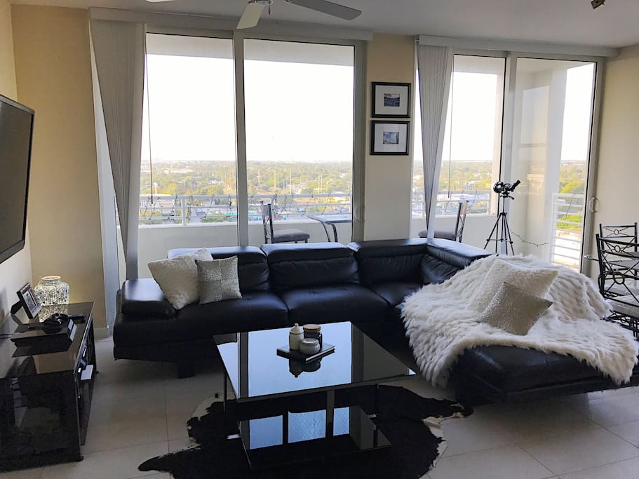 Luxury waterfront high rise apt private bedroom apartments for rent in fort lauderdale for 2 bedroom apartments in fort lauderdale