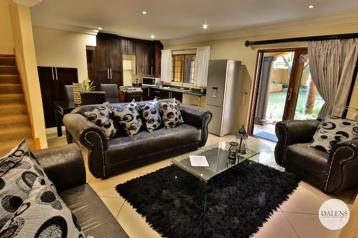Dalens Self Catering Apartment Three