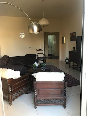 Cozy private room in beautiful hamra apartment