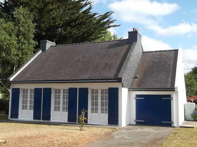 House outside Sainte Helene Sur Mer