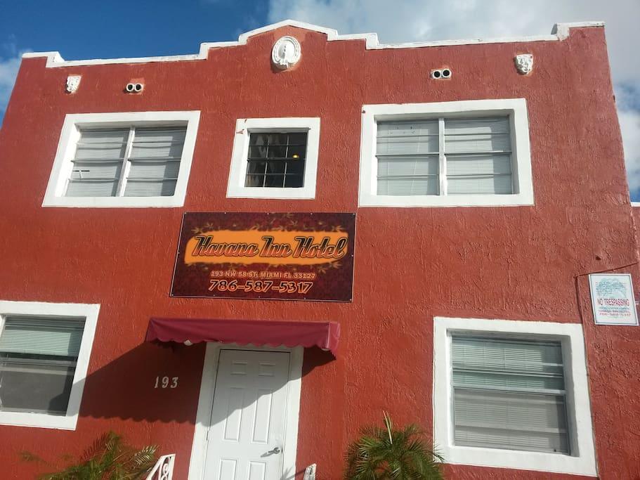 Havana Inn front view.