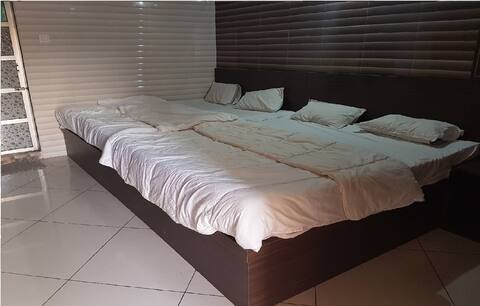 Deluxe 4 Bed AC, Dream Vision Diu