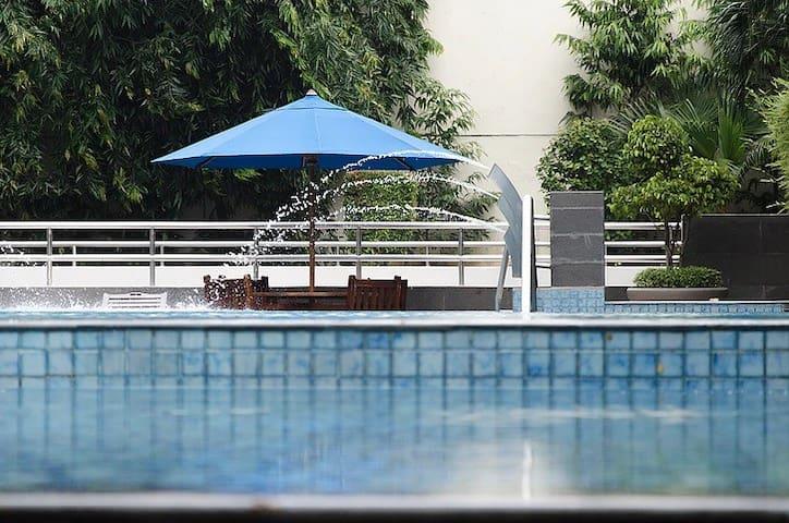 5min to MRT-Spacious 1BR Apartment