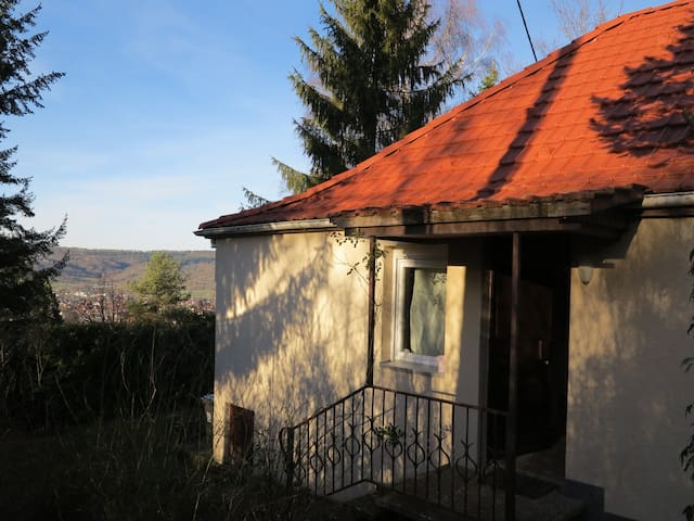 Häuschen im Grünen - Winterbach - Hus