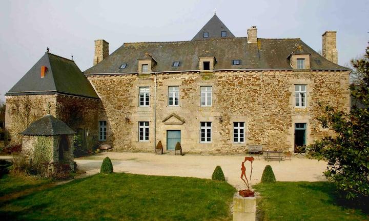 Manoir Le Plessix Madeuc - La Passerelle - Dinan