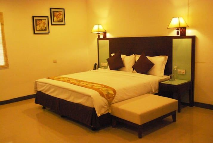 Budget Rooms for stay - Hyderabad - Bed & Breakfast