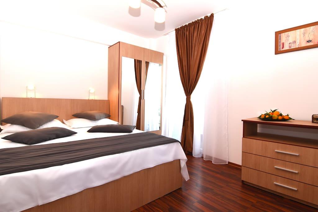 Super comfortable matress & bed