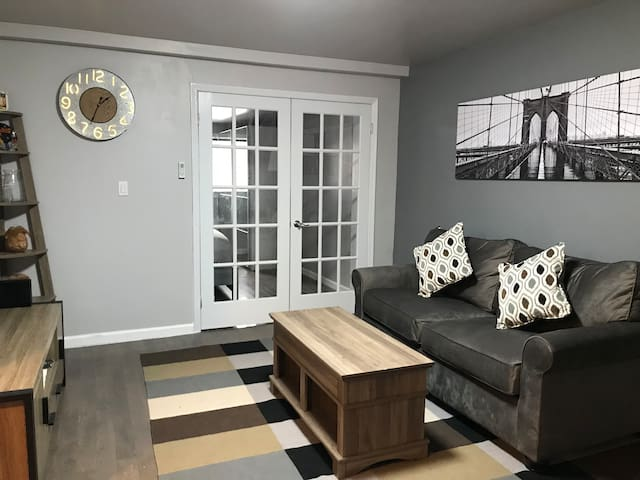 Newly renovated apartment  minutes from Manhattan