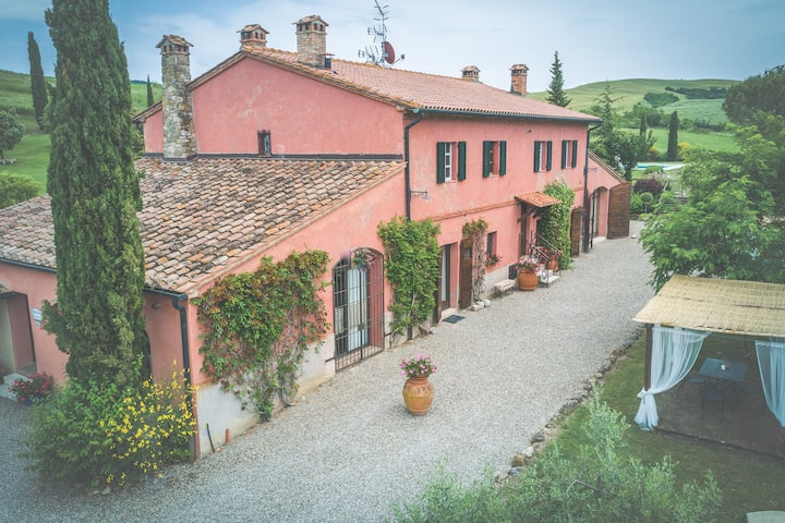 Authentic 1800's Villa with Amiata Mountain View