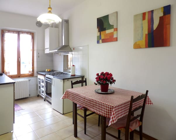 Vivi il Borgo! Cheap apartment in the old village