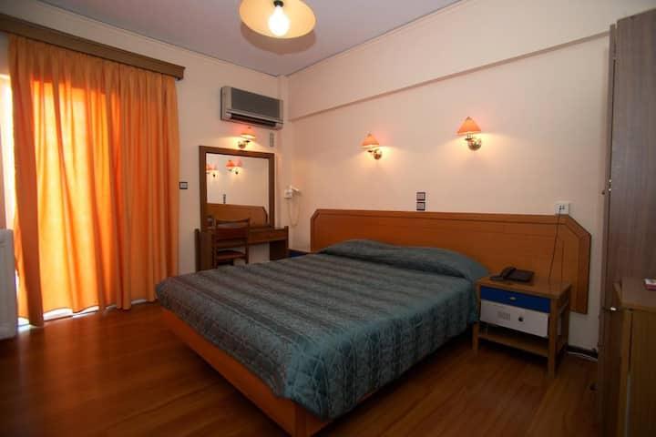 Single room on city heart hotel