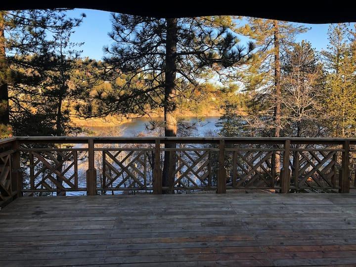 Crestline Lake Front Cabin