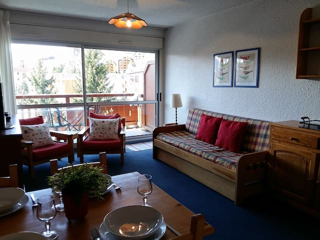Le Tyrol, 200m to main lift, sleeps 5, 33m2 - Mont-de-Lans - Apartment