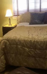 Upstairs pillow top  Queen - Stockton - Dom