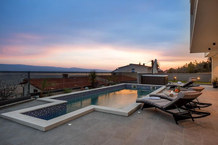 Luxury Villa Happiness with pool, Jacuzzi, sauna, gym, play room, grill by the sea in Stanici – Omis – Dalmatia - Croatia