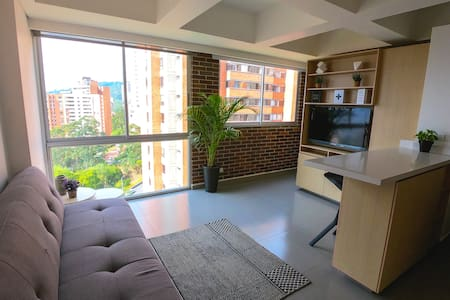 New Apartment, at El Poblado, Near Everything! 2/4