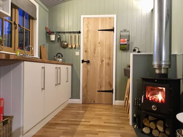Cut Mawr - Shepherd's Hut New for Spring 2018