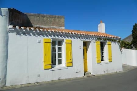 Maison de pêcheur au coeur de Saint Sauveur - Île d'Yeu - Ferienunterkunft