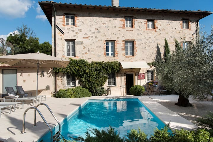 Villa Montebello : A brandnew luxury Boutique B&B - Camaiore