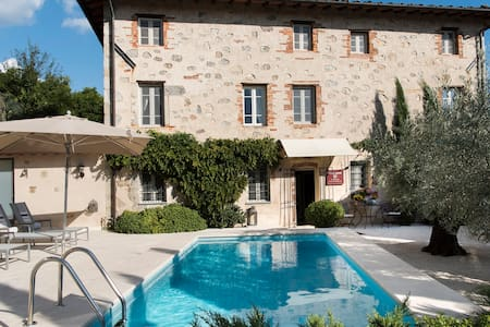 Villa Montebello Exclusive Bed and Breakfast - Camaiore - Bed & Breakfast