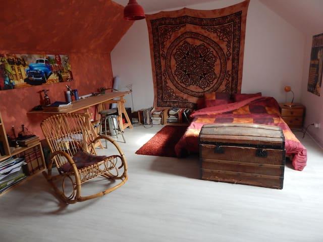 Chambre à la campagne, 15 minutes de Bourges - Plaimpied-Givaudins - Rumah