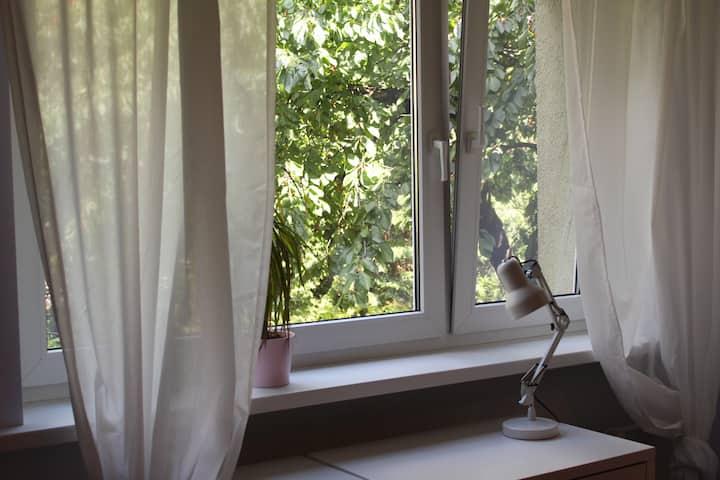 Duży pokój wiosenny 5 min do Centrum/15 min. targi