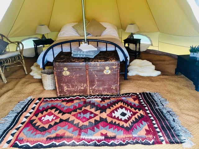 'Daffodil' Luxury Glamping at Preston Court