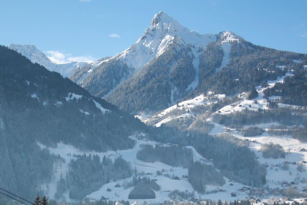 Aussicht Balkon im Winter/ view from balcony in winter