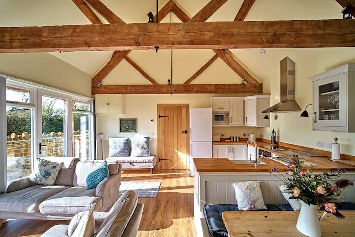 Idyllic Farm Cottage Retreat - Kingfisher Cottage
