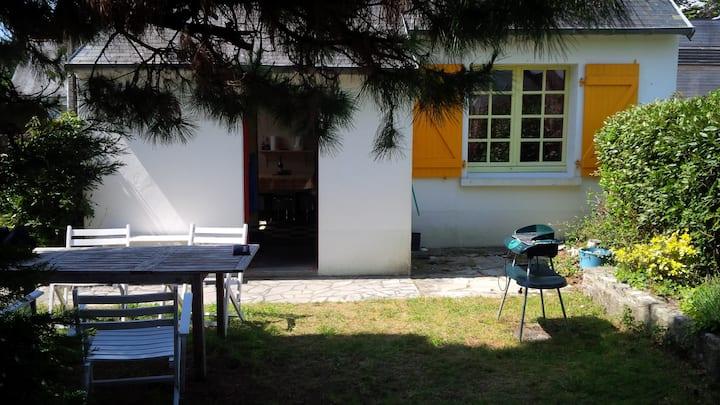La petite maison aux volets jaunes
