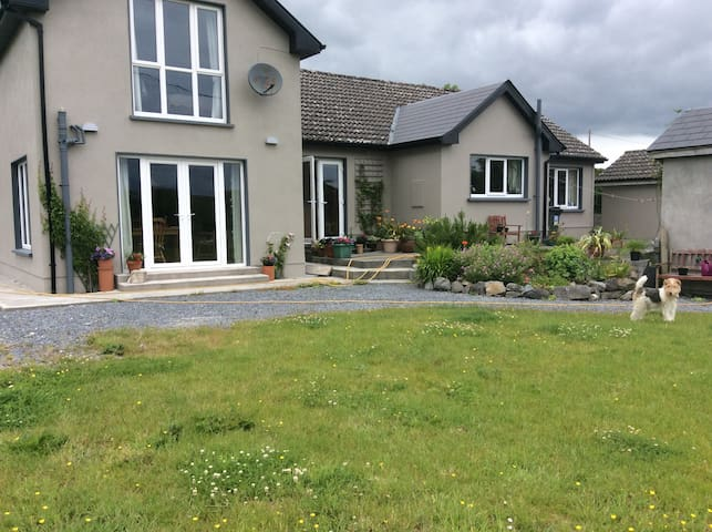 Comfortable accommodation at The Lodge, Fiddaun. - Ardrahan - Talo