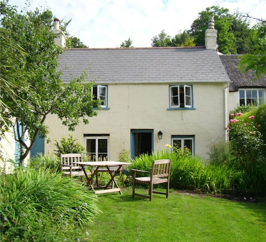 Pretty, Private Exmoor Cottage -  Dulverton