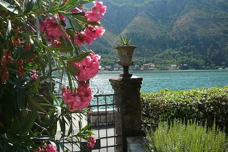 Heavenly rustic house with garden - bed&breakfast - Kotor - Bed & Breakfast