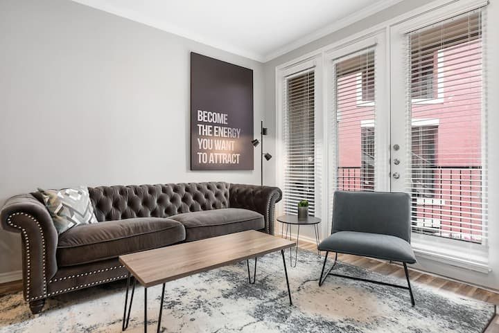 Jurny | Uptown | Touchless 1 Bedroom