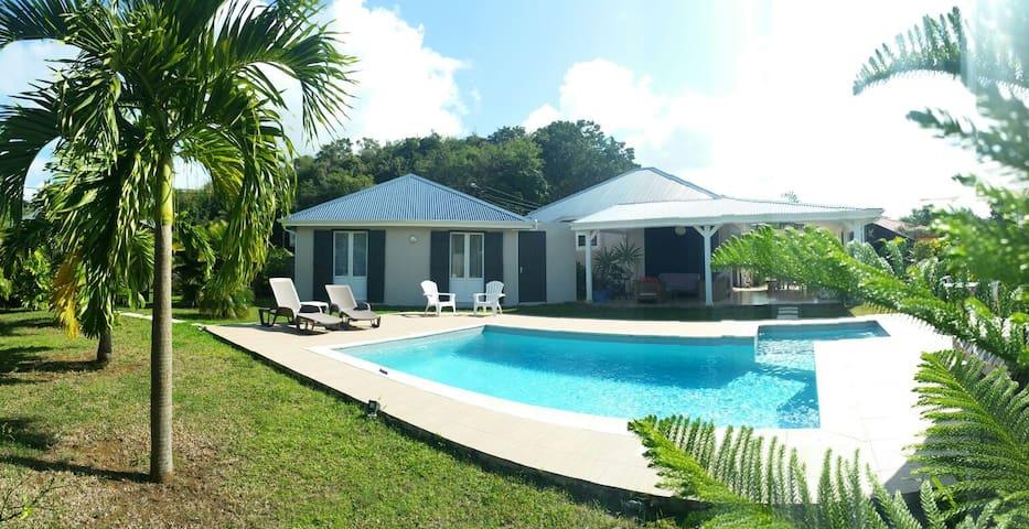 Belle villa + bungalow avec piscine **** - Morne-À-l'Eau, Grande-Terre, GP - Villa
