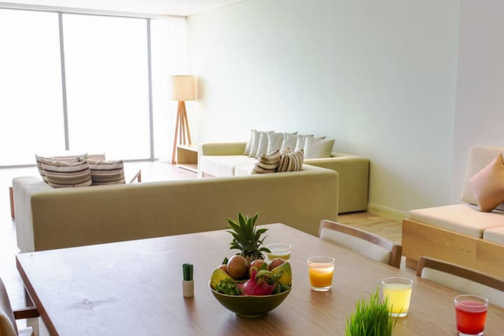 Serviced Penthouse 2 / Beachfront! / A+ Location - Sơn Trà - Serviced apartment