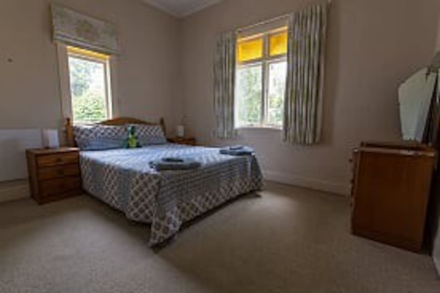 Nice large double bedroom with closet and bathroom adjacent